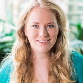 Elise Kova